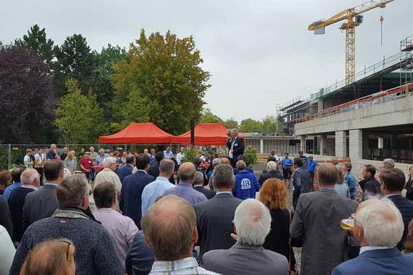 Richtfest am Carl-Reuther-Berufskolleg, Hennef