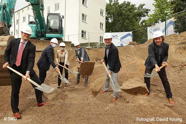 Erster Spatenstich für drei Mehrfamilienhäuser in Düsseldorf-Flingern